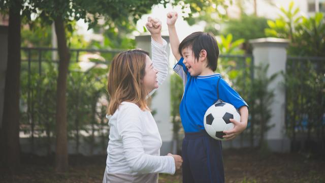 6 Effective Verbal Praises That Will Work Wonders On Your Kids