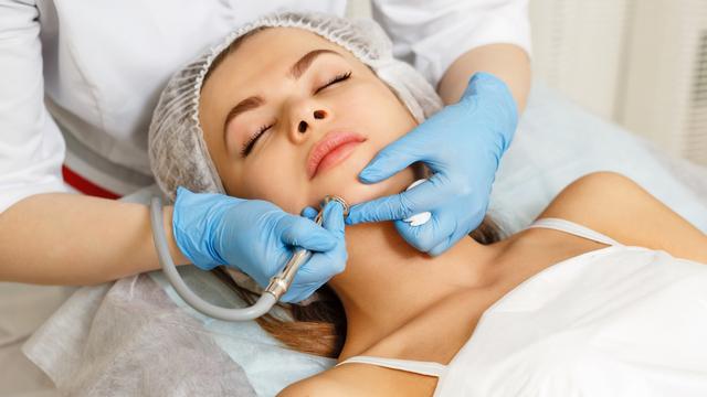 Posibleng Treatments Na Gagawin Ng Derma Sa Seryosong Kaso Ng Acne Scars