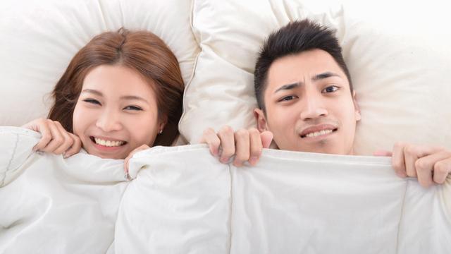 May Biglang 'Hangin' During Sex! At Iba Pang Kwelang Moments Ng Mga Mag-Asawa