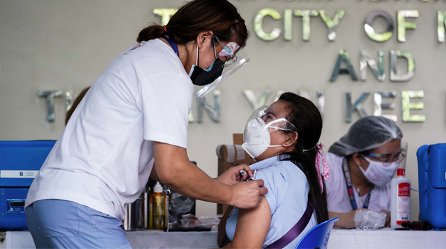 Why These Parents Will Get COVID-19 Vaccine: 'If The Mom Gets Sick, Paano Na?'