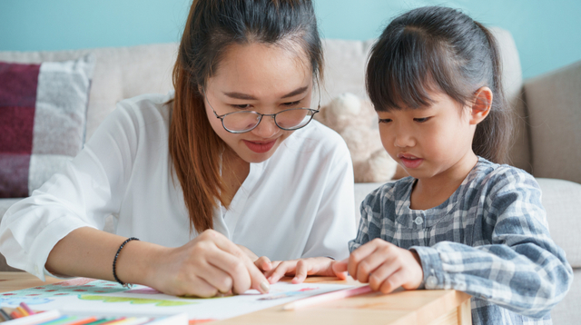 'Learn Without Pressure': Mom Shares The Pros And Cons Of Homeschooling