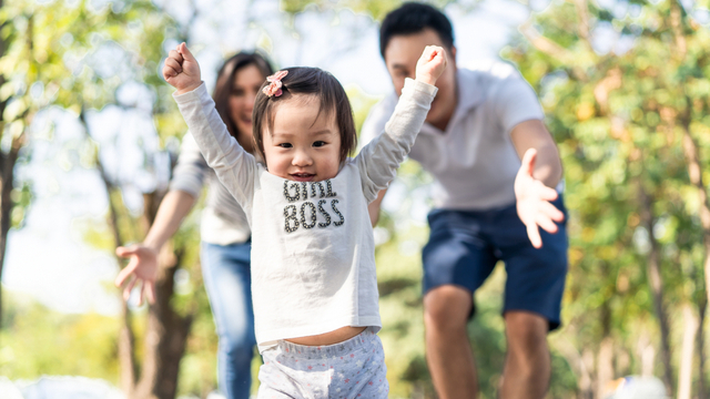 How To Raise Kids Using Montessori, Piaget, Or RIE Parenting Approaches