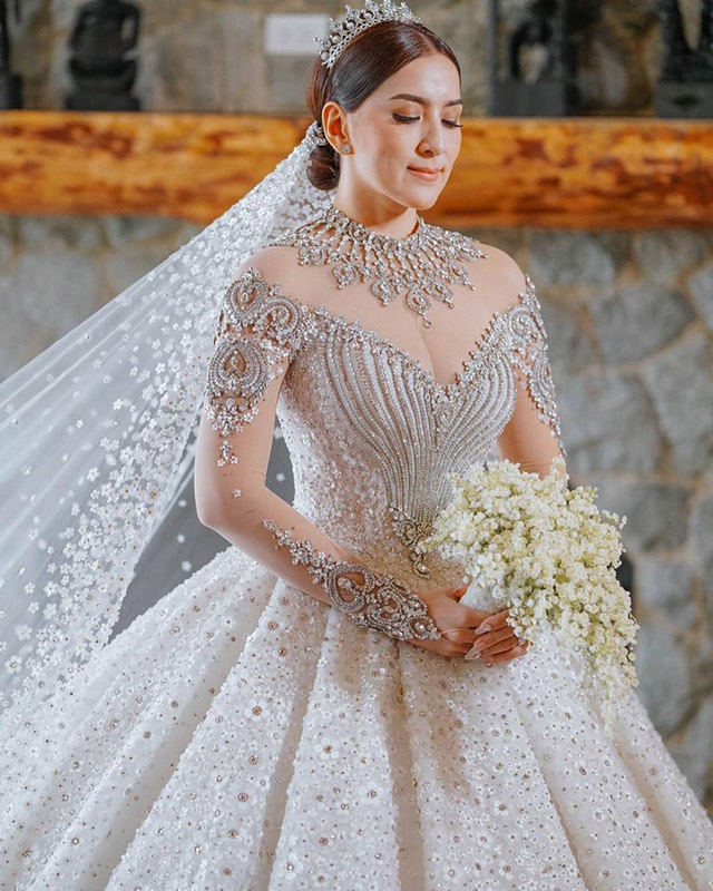 LOOK! Ara Mina's Stunning Princess-cut Wedding Gown Was A Gift From Her Sisters
