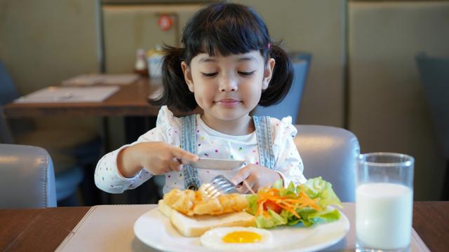 Experts Explain Why Kids Should Not Skip Breakfast