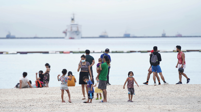 PHOTOS: Families Flock To Dolomite For 'Exercise'