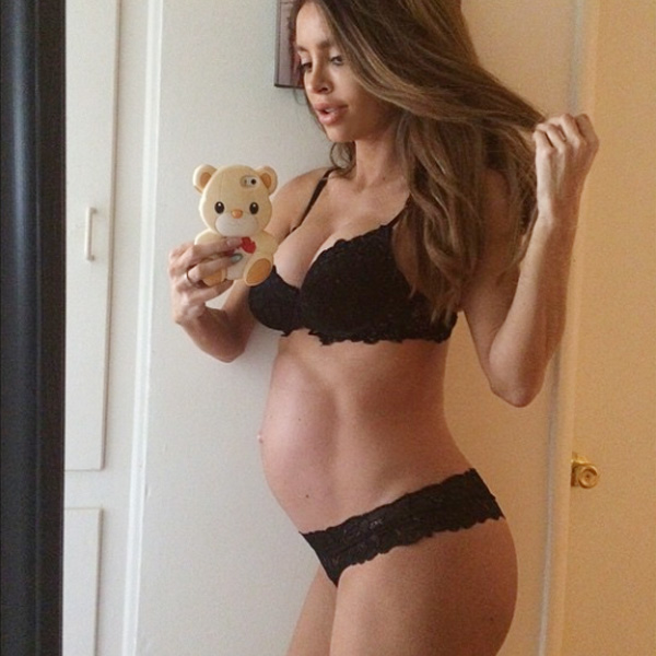Top of the Morning: Model with Barely-there Baby Bump Gives Birth to a Big Baby