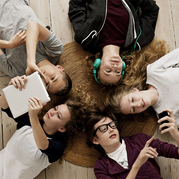 Preteens Trust their Peers More than Adults When Judging Risks, Study Finds