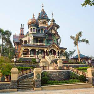 Hong Kong Disneyland's Newest Attraction Opens May 17th