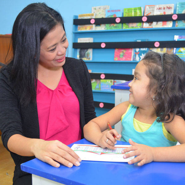 Time for School: 4 Tips to Help Your Child Face Her First Day