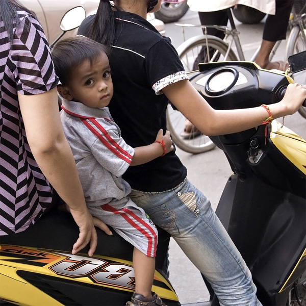New Philippine Law Bans Small Children From Riding Motorcycles