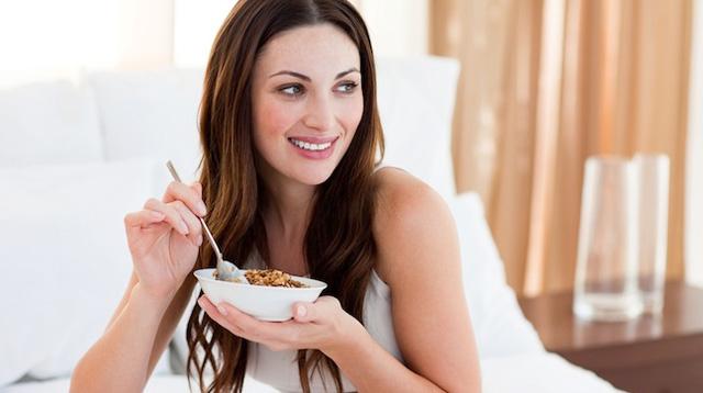 4 Healthy Eating Tips for Nursing Moms