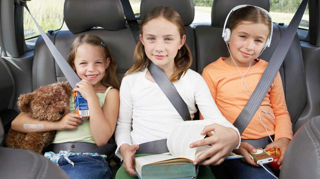 10 Games to Keep Kids Busy On Long Road Trips (and Holiday Traffic)