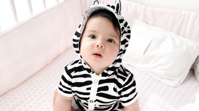 12 Celebri-tots in Spook-tacular Costumes