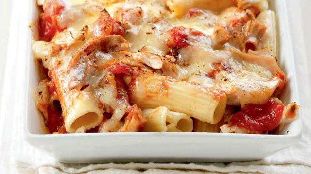 Weekend Recipe: Cheesy Baked Ziti with Roast Chicken Tomato Sauce