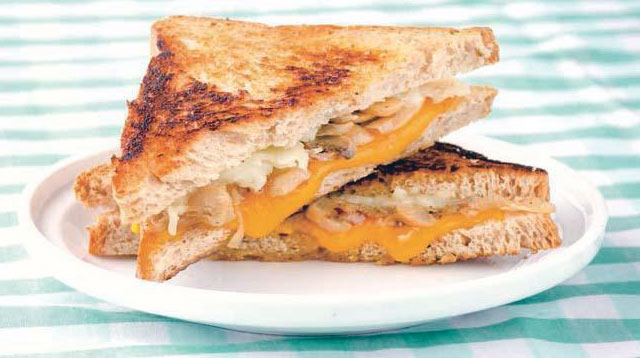 Weekend Recipe: Cheesy Mushroom Sandwich