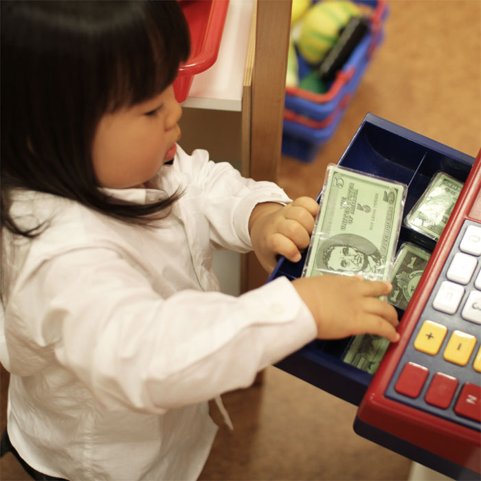 5 Important Lessons Young Kids should Learn about Money