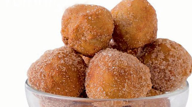 Weekend Recipe: Cinnamon Doughnut Holes