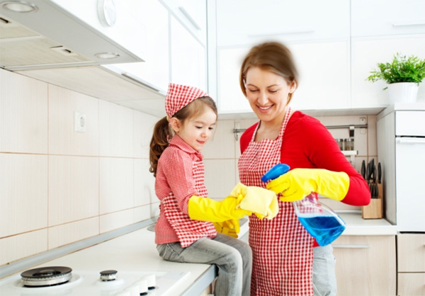 mom and child cleaning