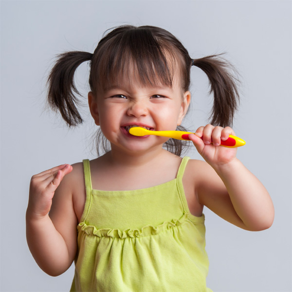 Caring for Baby Teeth: 5 Important Tips + Preparing for a Visit to the Dentist