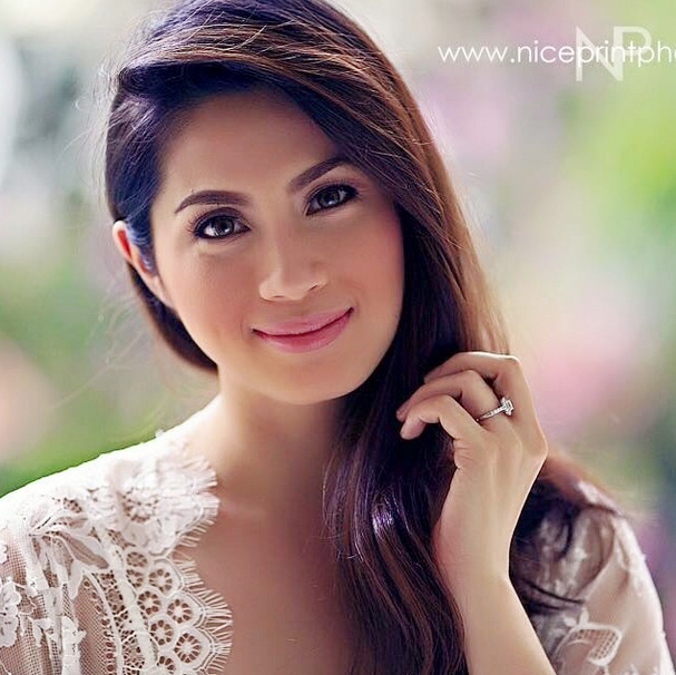 Top of the Morning: Diana Zubiri Ties the Knot