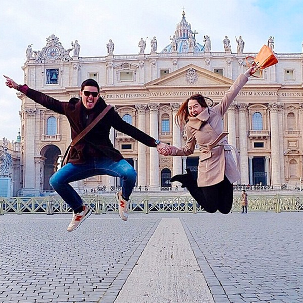 Top of the Morning: DongYan Blessed by Pope in Roman Honeymoon