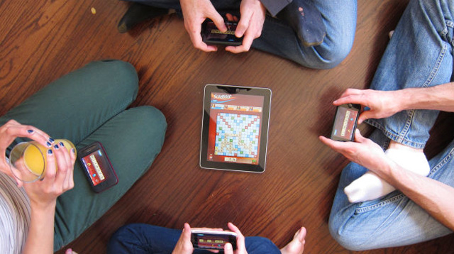 Family Game Night? Get These Mobile Phone Apps -- No Kidding