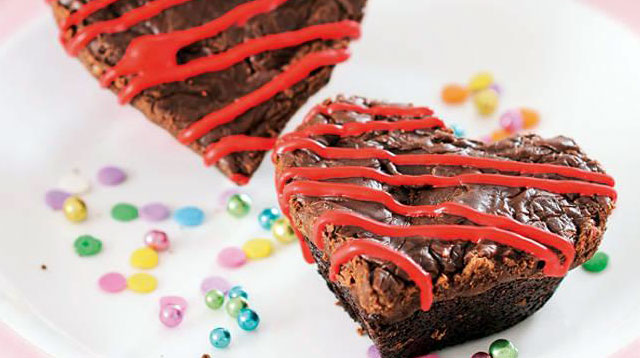 Weekend Recipe: Fudgy Heart Brownies