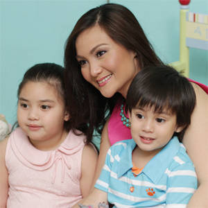 Behind the Scenes: Our November Shoot with Gladys Reyes and Kids