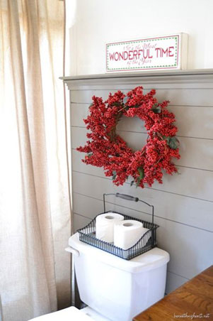 Holiday Decor-Bathroom