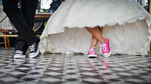 groom and bride in chucks
