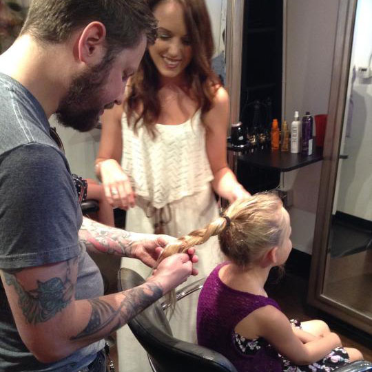 Salon Offers Hairstyling Lessons for Dads with Daughters