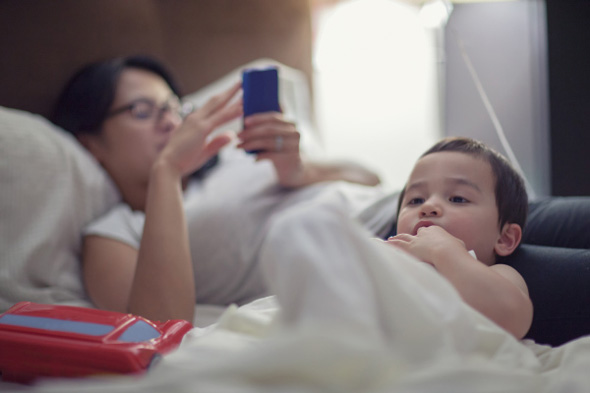 Spending A Lot of Time on Your Phone? This Is How Your Child Feels About It