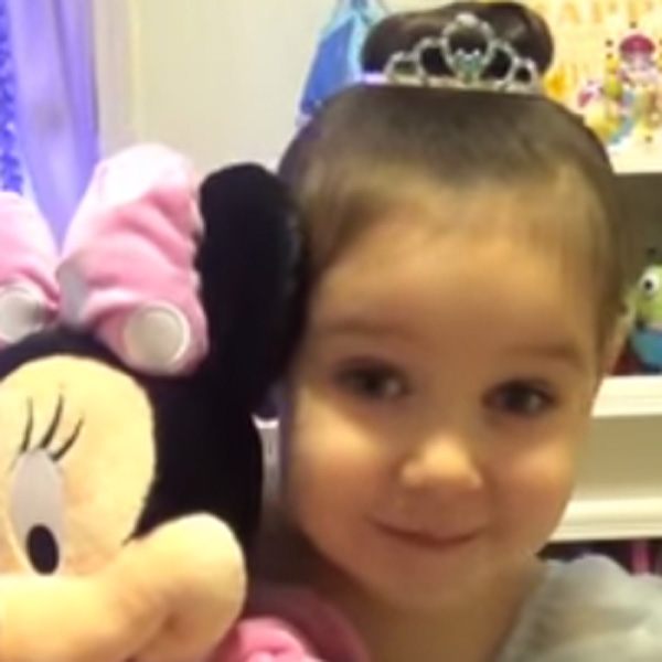 This Made our Day: A Little Girl's Send-Off to Her BFF Who's Going to Disneyland is Cuteness Overload