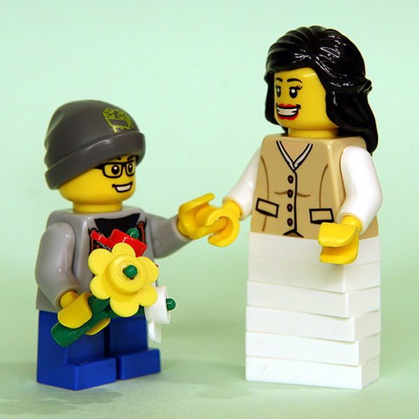 9 Signs You're a Lego Mom