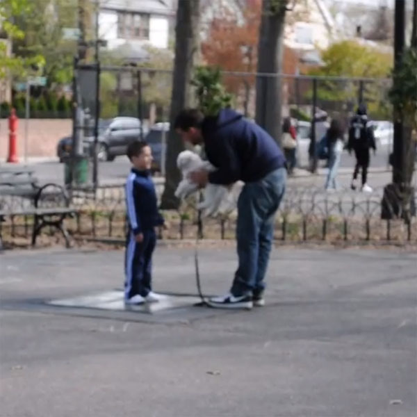Watch a Man Test How Easy it is to Abduct Children