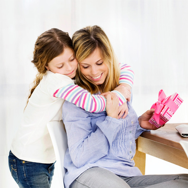 Mother's Day 2015: Gift Ideas for the Youthful Mom