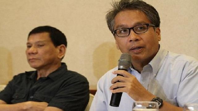 "Mar Roxas Concedes, Wishes Rodrigo Duterte ""Success"" in Presidency"