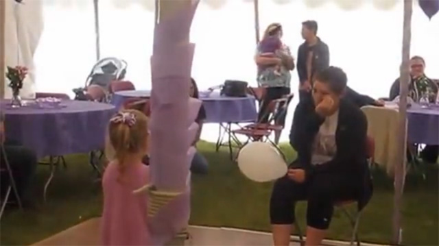 This Made Our Day: 4-Year-Old Sings