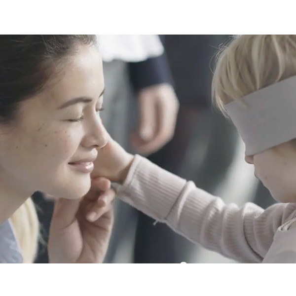 This Made our Day: This Video of Blindfolded Kids Identifying their Mothers Will Tug at your Heartstrings
