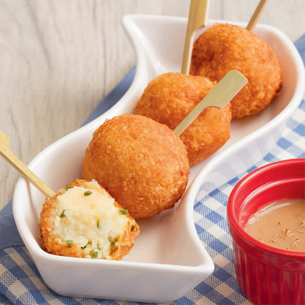 Weekend Recipe: Mashed Potato Balls with Cheesy Centers