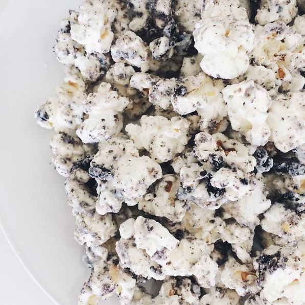 Your Next Family Movie-time Snack: the Oreo Popcorn