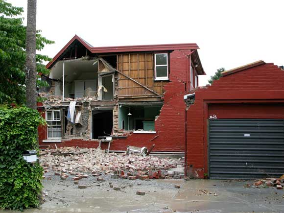 house earthquake