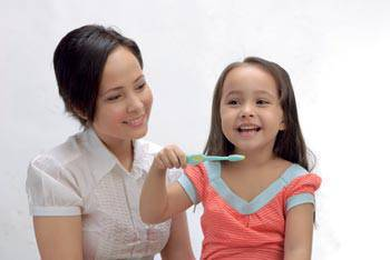 mom girl toothbrush