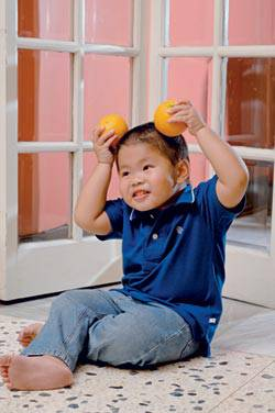 boy oranges