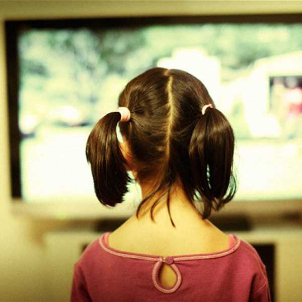 TV in Kids' Rooms Linked to Weight Gain