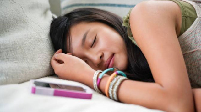 Early Bedtime Leads To Improved School Performance in Young Kids and Teens