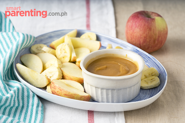 sliced fruits with PB dip
