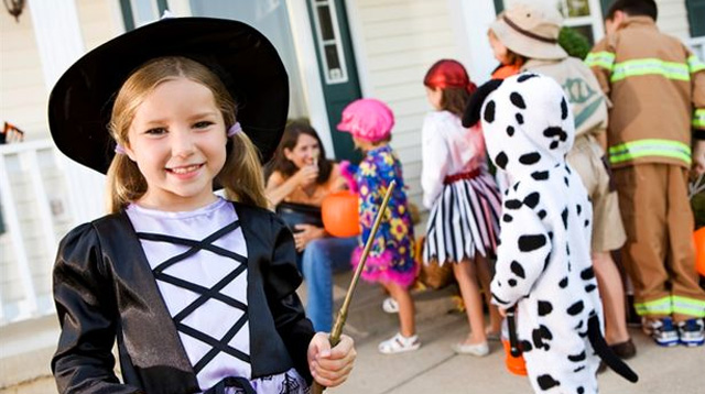 A Guide to Halloween 2015 Trick or Treat Parties