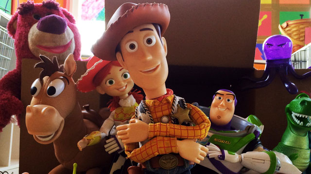 "Brothers Recreate A Life-size Replica of Andy's Room in ""Toy Story 3"""