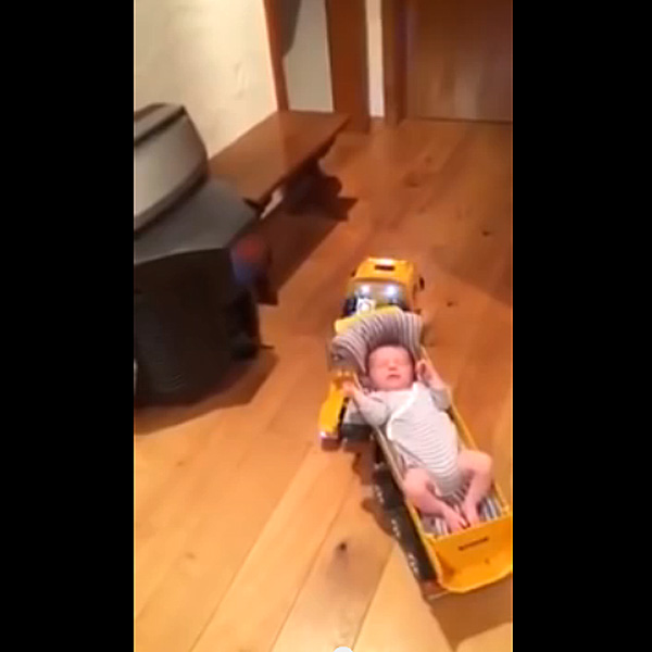 This Made Our Day: This Is How Dads Put A Baby To Sleep